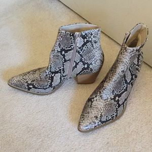 Matisse snake boot - size 8